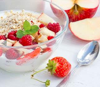 Yogurt with fruit and cereals